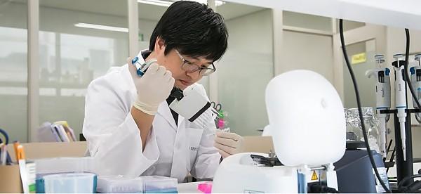 유전체 분석 소프트웨어의 개발은 내부 일처리 프로세스를 보다 빠르게 변화시켰다